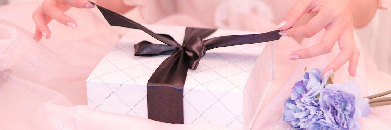 =留学する友達へのプレゼント丨選び方とおすすめを伝授!
