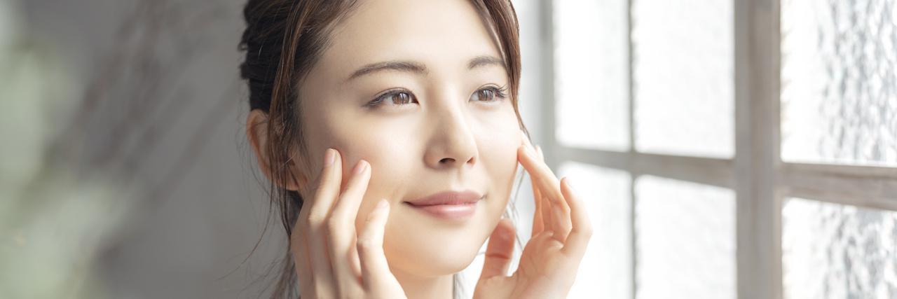 【特集】 大学生のスキンケア!美容専門家に学ぶ肌悩み別アイテム7選 | C CHANNEL - 女子向け動画マガジン