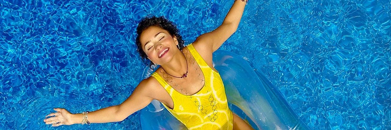 【特集】 眉毛が消えるのを防ぐ!汗でもプールでも落ちにくい眉メイク術♡ | C CHANNEL - 女子向け動画マガジン