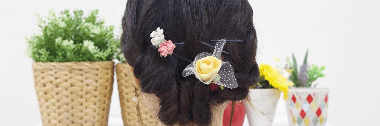 【特集】 ミディアムのまとめ髪アレンジ集!伸ばしかけでも簡単♡ | C CHANNEL - 女子向け動画マガジン