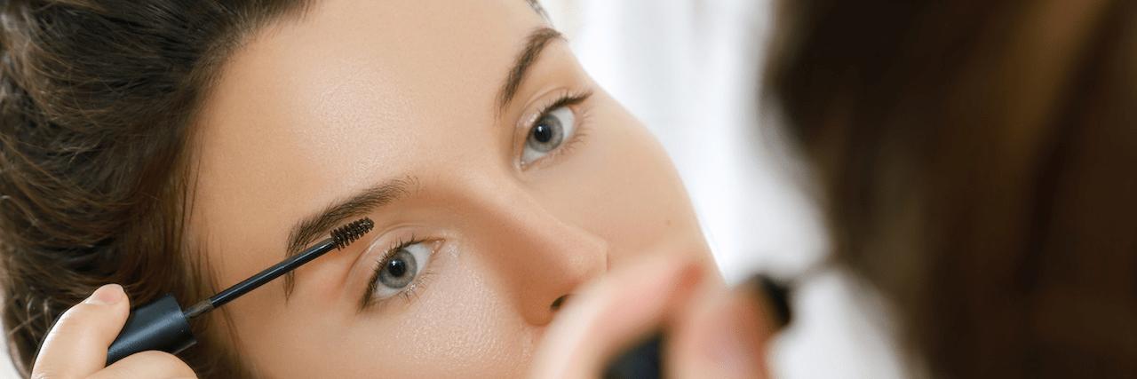 【特集】 正しい眉マスカラの塗り方を伝授!使い方ひとつで抜け眉をGET | C CHANNEL - 女子向け動画マガジン