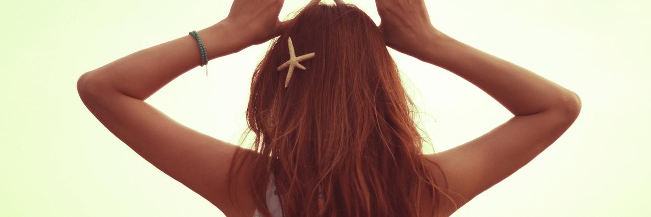 【特集】 梅雨の髪型【夏】ヘアアレンジ!くせ毛や広がり対策も | C CHANNEL - 女子向け動画マガジン