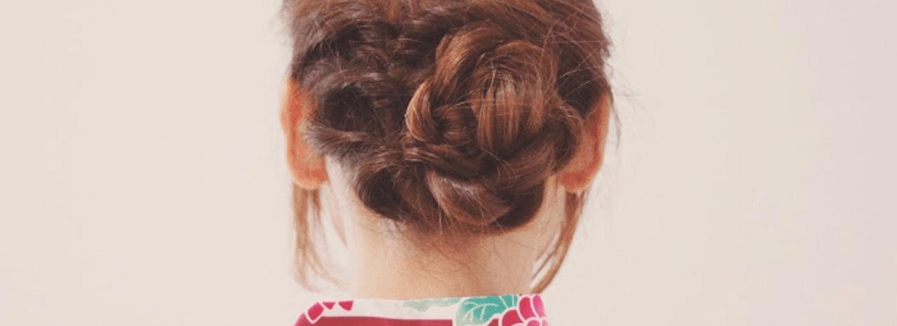 =ミディアムヘア向けシニヨンのやり方!簡単おしゃれなまとめ髪♡