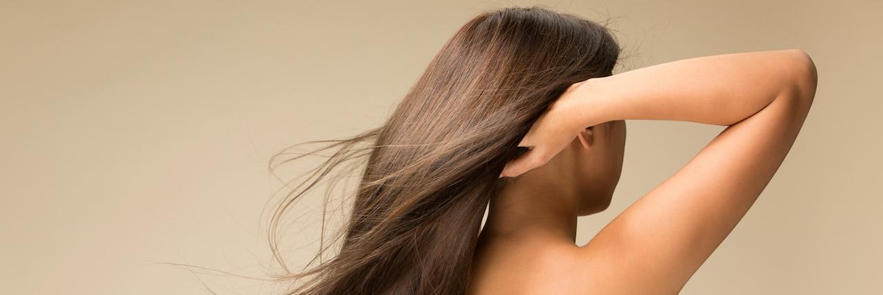 =広がる髪の毛にさよなら!梅雨でもツヤ髪になれる5つの方法♡