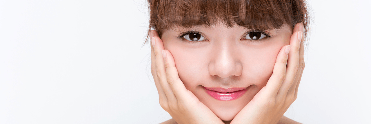 【特集】 もう丸顔で悩まない!丸顔さんのための簡単小顔メイク | C CHANNEL - 女子向け動画マガジン