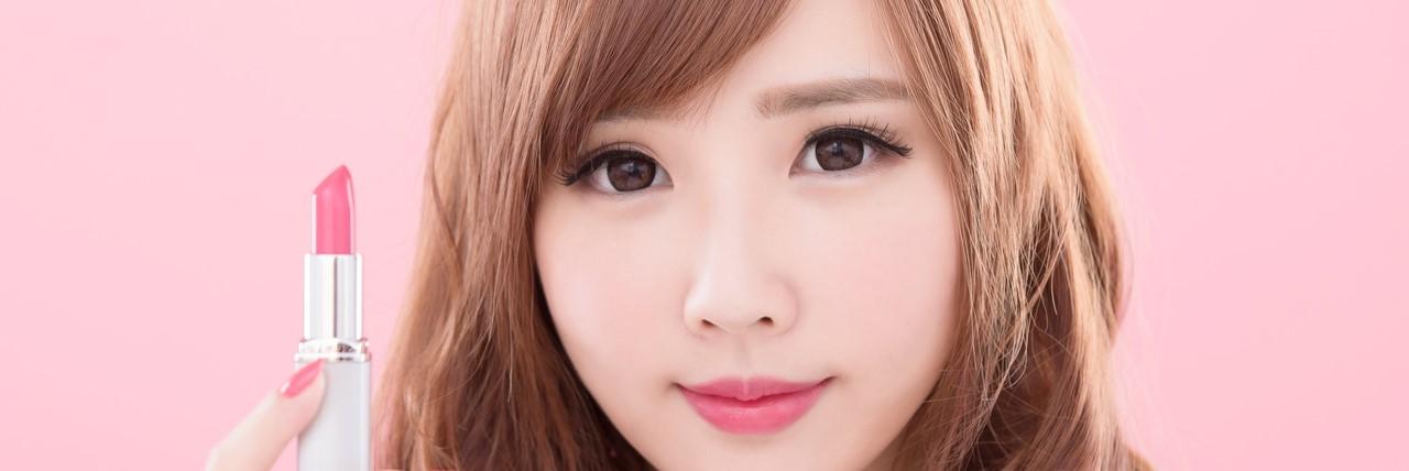 【特集】 濃いめ眉毛の人向け!眉毛の整え方とナチュラル眉の作り方 | C CHANNEL - 女子向け動画マガジン