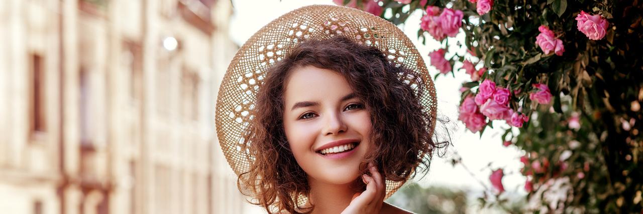 【特集】 憧れのツヤ髪はベビーオイルで簡単に手に入れられる♡ | C CHANNEL - 女子向け動画マガジン