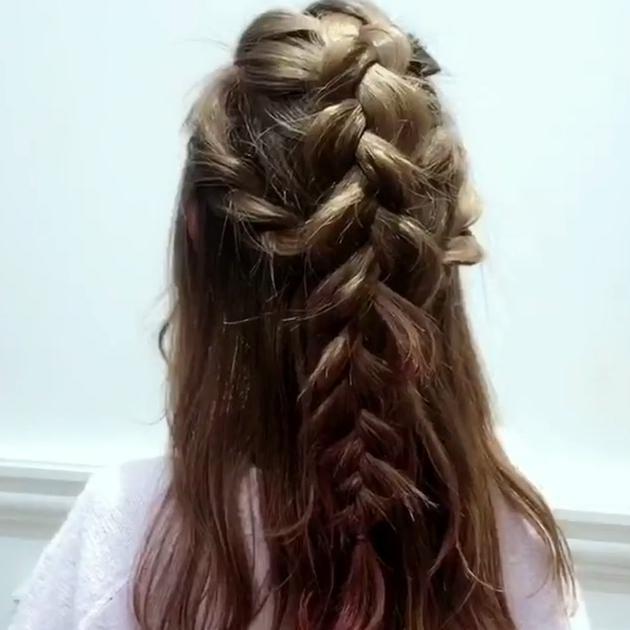 卒業式の髪型はハーフアップで 袴にあうハーフアップ13選 C Channel