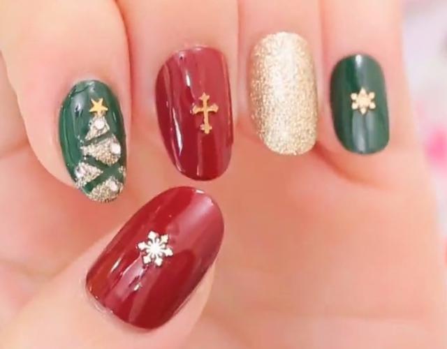 クリスマスはネイルも特別に!かわいい~大人シンプルデザイン集